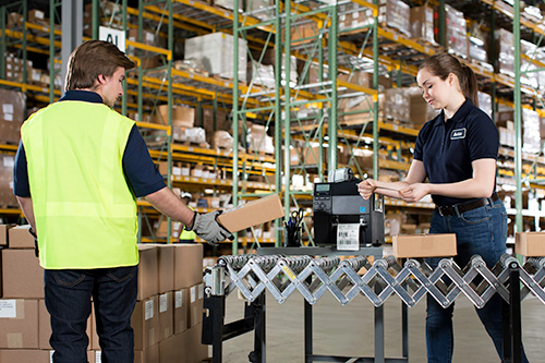 BARCODE LABELS KEEP TRACK OF E-COMMERCE